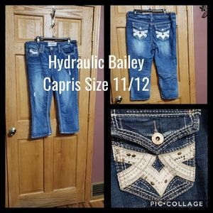 Hydraulic Bailey Capris Size 16 Bling